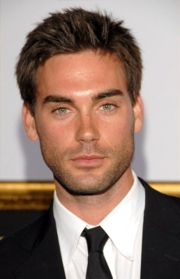 Il 38-anni, 185 cm alto Drew Fuller in 2018 photo