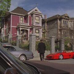 Dom w alternatywnej rzeczywistości Cole'a - <a href=