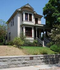 Halliwell++Manor13 Neighborhood