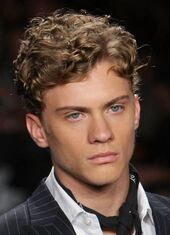 Short-Curly-Hairstyles-for-Men-01