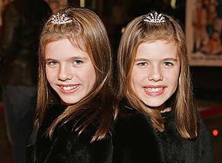 File:Courtney and Madison Fitzpatrick (2).jpg