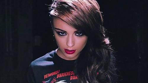 Cher -6