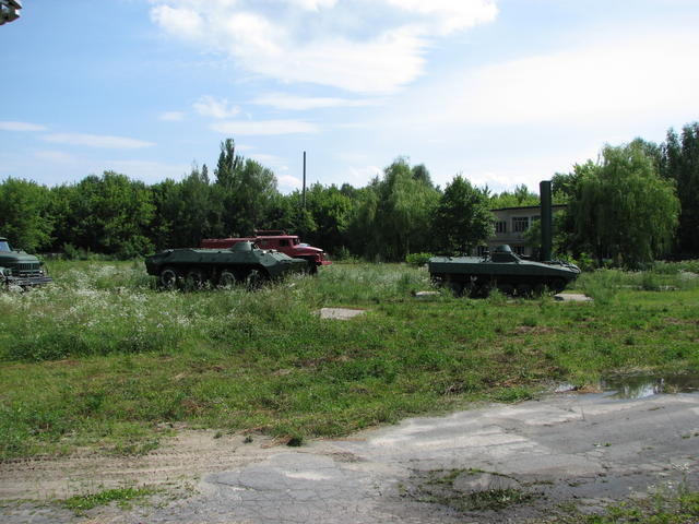 File:Chernobyl liquidators vehicles 1.jpg