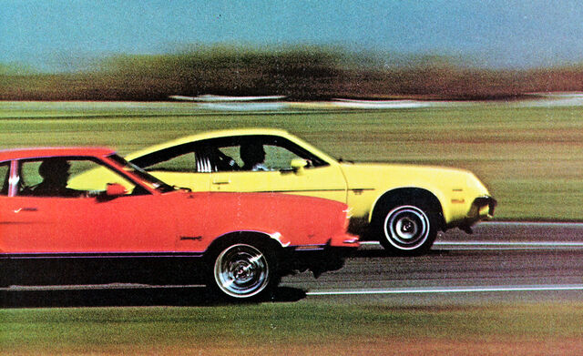 File:1975-chevrolet-monza-2+2-vs-ford-mustang-ii-photo-343510-s-original.jpg