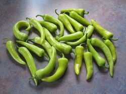 800px-Banana Peppers 20120903