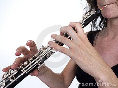 File:Oboe player2.jpg