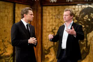 File:Inception screenshot behind the scene leonardo di caprio with christopher nolan.jpg