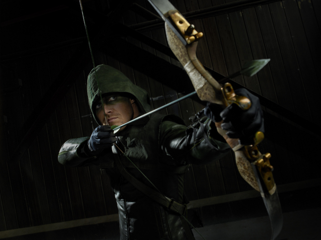File:Arrow aiming his bow promo.png