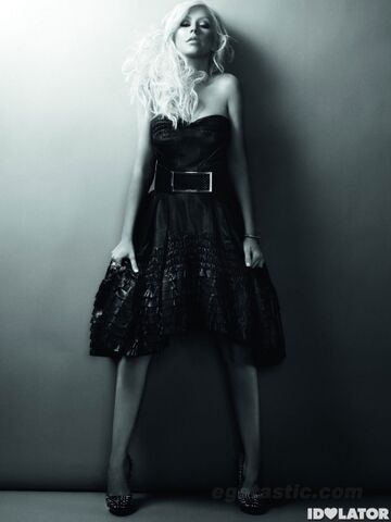 File:Christina-Aguilera-Posing-for-In-Style-Magazine-1-435x580.jpg