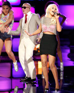 1371645526 christina-aguilera-the-voice-finale-zoom