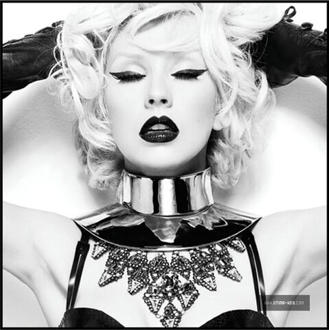 File:Christina-s-full-bionic-photoshoot-christina-aguilera-12806822-516-517.jpg