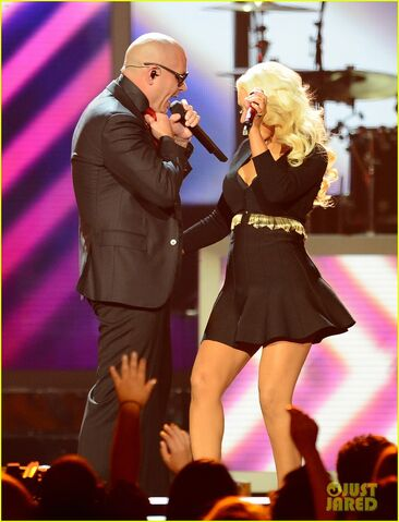 File:Christina-aguilera-pitbull-billboard-music-awards-2013-performance-video-12.jpg