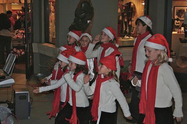 File:Carols singers.jpg