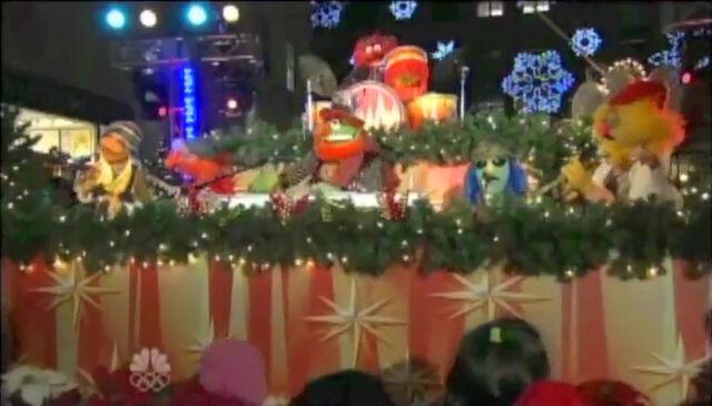 File:ChristmasInRockefellerCenter2009-ElectricMayhem.jpg