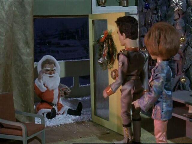 File:Stingray-a-christmas-to-remember-08.jpg