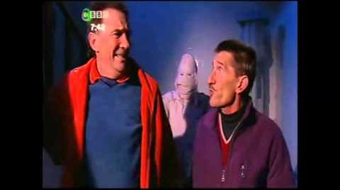 ChuckleVision 15x03 Keeping It Under Wraps