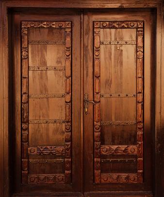 Carved-wooden-door