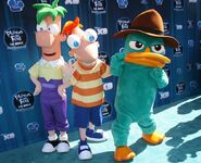 Disneys premiere-phineas-and-ferb-2-01