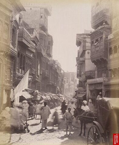 File:Street scene of Lahore, 1890s.jpg