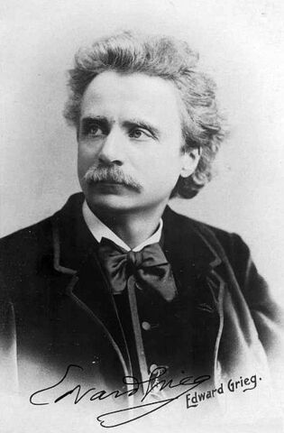 File:Photograph of Edvard Grieg by Elliot and Fry.jpg