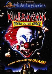 Killer-klowns-from-outer-space-movie-poster-1020469217 maior ainda-2-
