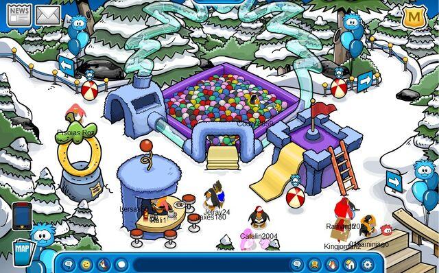 File:Blue Puffle Room.jpg