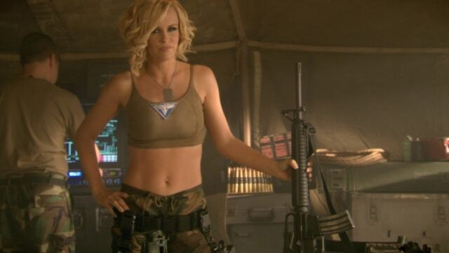 File:RA3 Tanya with rifles 2.jpg