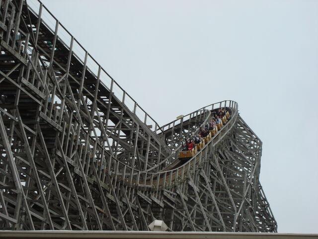 File:Mean Streak@Cedar Point01.JPG