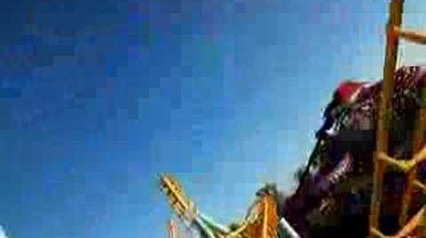 Cyclone (Dreamworld) - OnRide - (480p)