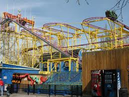 File:Wild mouse sign and coastetr.jpg