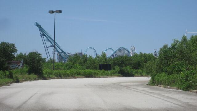 File:Six Flags NOLA Whats Up.JPG