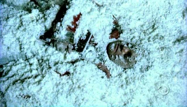 File:Cold Case S01E12 Glued.jpg