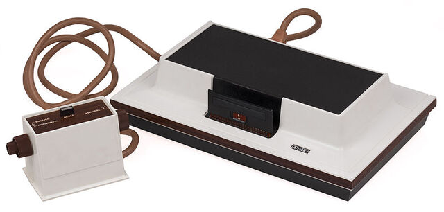 File:800px-Magnavox-Odyssey-Console-Set.jpg
