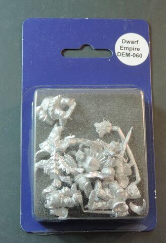 File:DEM060 Dwarf Leib Knights on foot with swords & shields II blister.jpg