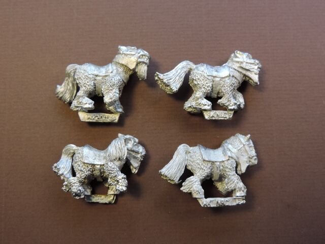 File:Ponies - right side.jpg