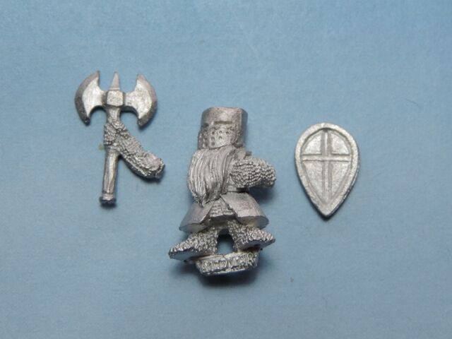 File:Bood Hero with double-axe on foot - bits.jpg
