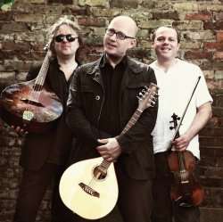File:Adrian Edmondson And The Bad Shepherds-1-250-249-85-nocrop.jpg