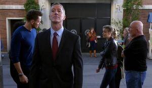 S05E12-Ronald Mohammad begins