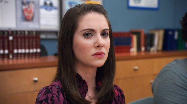 File:2x14 Annie dissappointed at Jeff.jpg