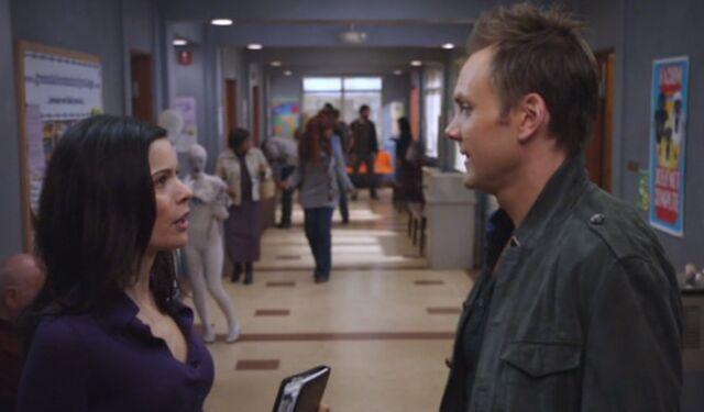 File:S01E18-Slater breaks up with Jeff.jpg