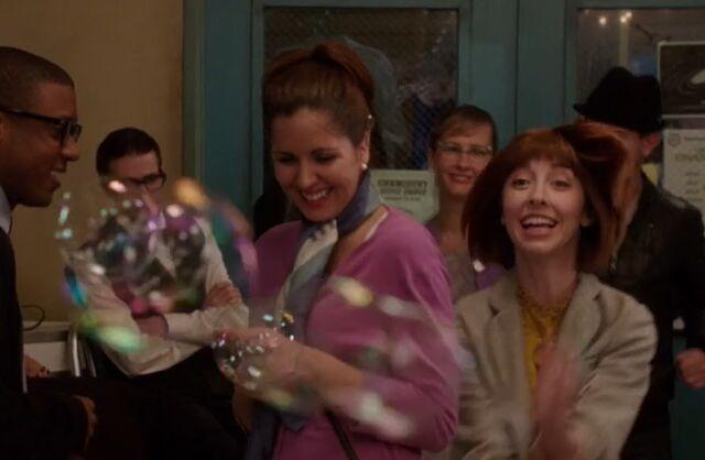 File:S04E08-Kat chasing bubbles.jpg