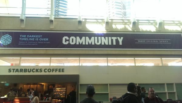 File:Yahoo Comic Con banner.jpg