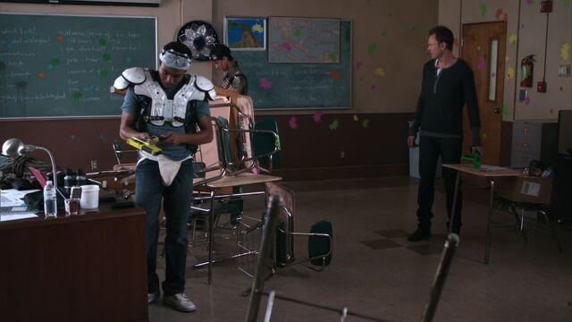 File:S01E23-Spanish classroom.jpg