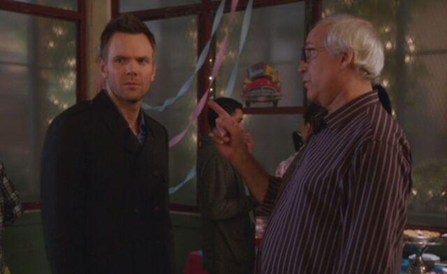 File:S04E08-Pierce scolds Jeff.jpg