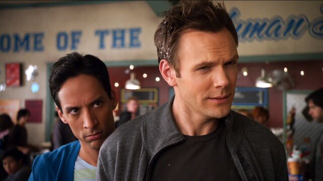 File:1x12 Jeff and Abed 3.jpg