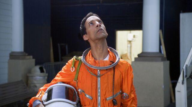 File:2x4 Abed spacesuit.jpg