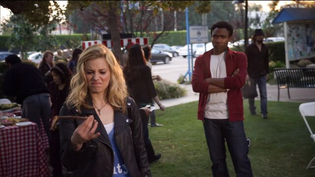 File:1x14 Troy and Britta switch hunt 1.jpg