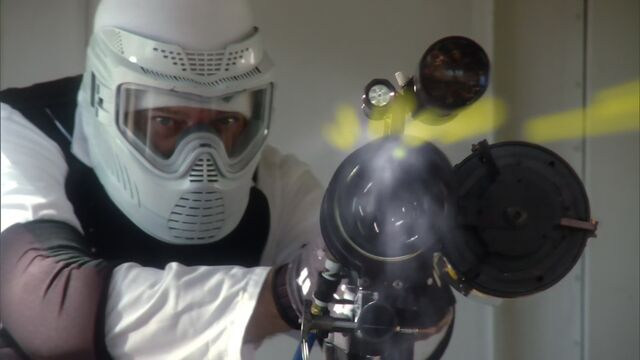 File:Paintball gatling gun2.jpg