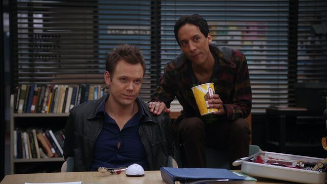File:Jeff and Abed 1x20.jpg