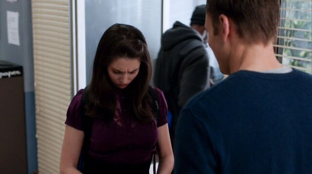 File:1x24 Jeff and Annie travel agent5.jpg